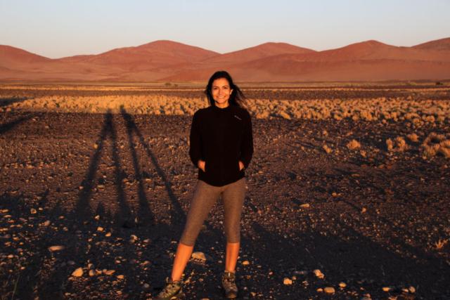 Live More, Travel More in Namibia with Chameleon Safaris - photo by Elaine Villatoro - Sossusvlei - - Sand Dunes - Sunrise - Deserto da Namibia - Dunas - Nascer do Sol