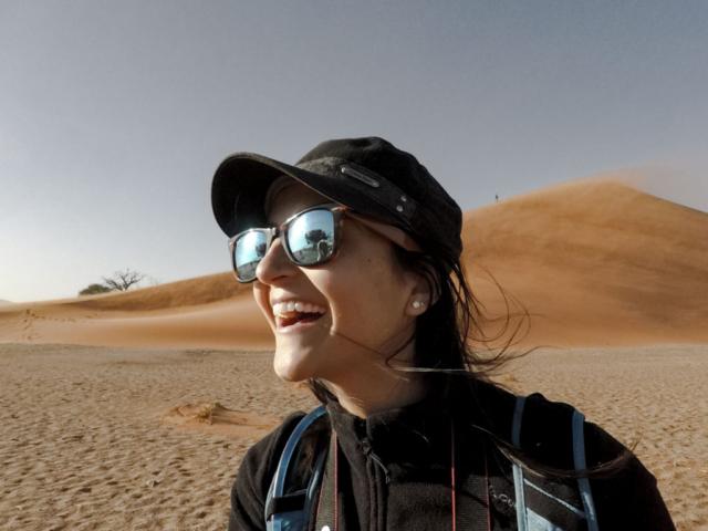 Live More, Travel More in Namibia with Chameleon Safaris - photo by Elaine Villatoro - Sossusvlei - Sand Dunes - Deserto da Namibia - Dunas - Dune 45 - Sorrisos - Smiles