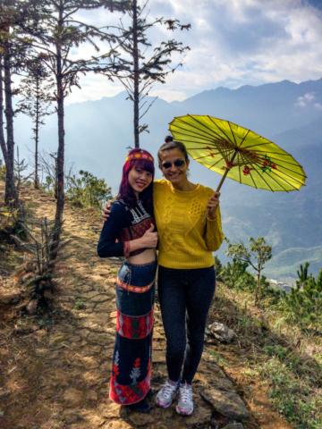 Elaine Villatoro - Live More, Travel More - Vietnam - Vietnã - Sapa - Mountain - Montanha - Hamrong - Vietnamese Girls - Vietnamitas - Clothes - Roupas