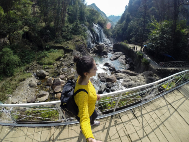 Elaine Villatoro - Live More, Travel More - Vietnam - Vietnã - Sapa - Cat Cat Village - Vilarejo - Khu Du Lich Cat Cat - Hike - Trilha - Waterfall - Cachoeira