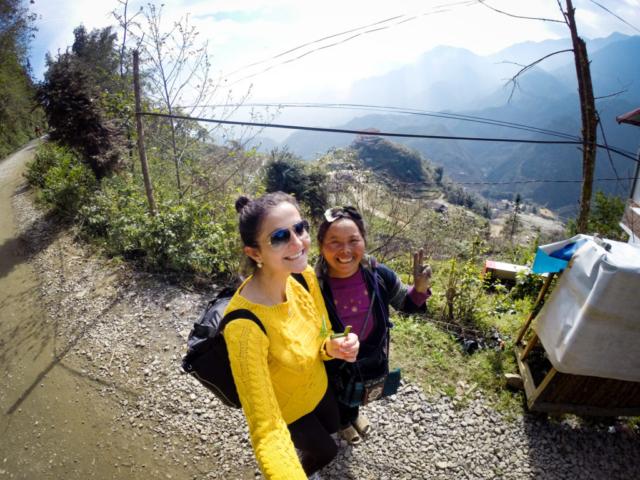 Elaine Villatoro - Live More, Travel More - Vietnam - Vietnã - Sapa - Cat Cat Village - Vilarejo - Khu Du Lich Cat Cat - Hike - Trilha - Locals - Pessoas locais
