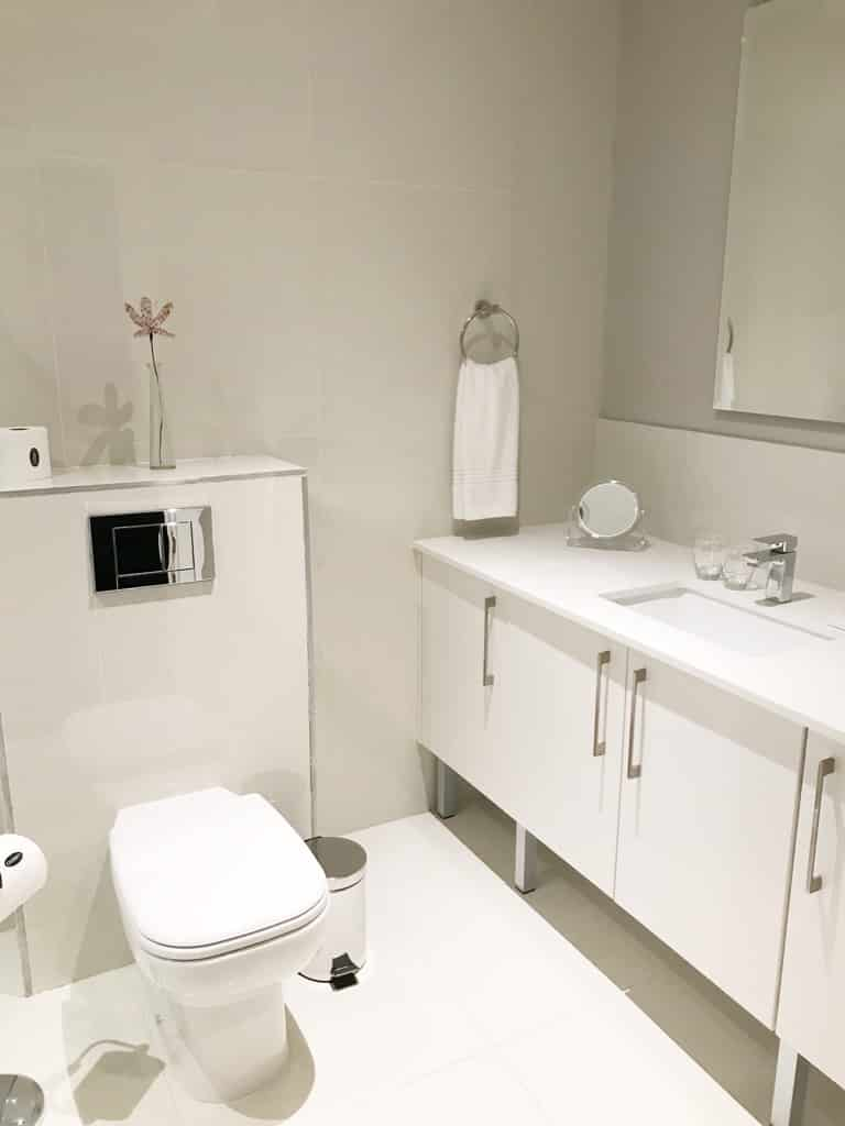 Cloud 9 Boutique Hotel & Spa: Bathroom