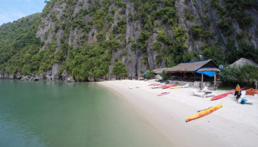 Halong Bay e Castaways Island com Hanoi Backpackers Hostel