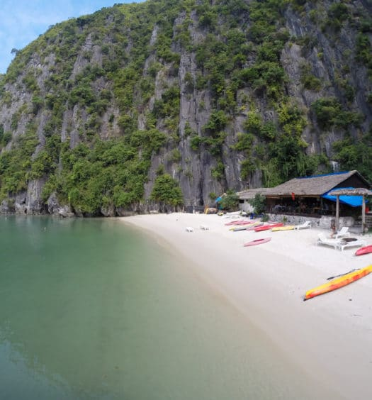 Halong Bay e Castaway Island com Hanoi Backpackers Hostel