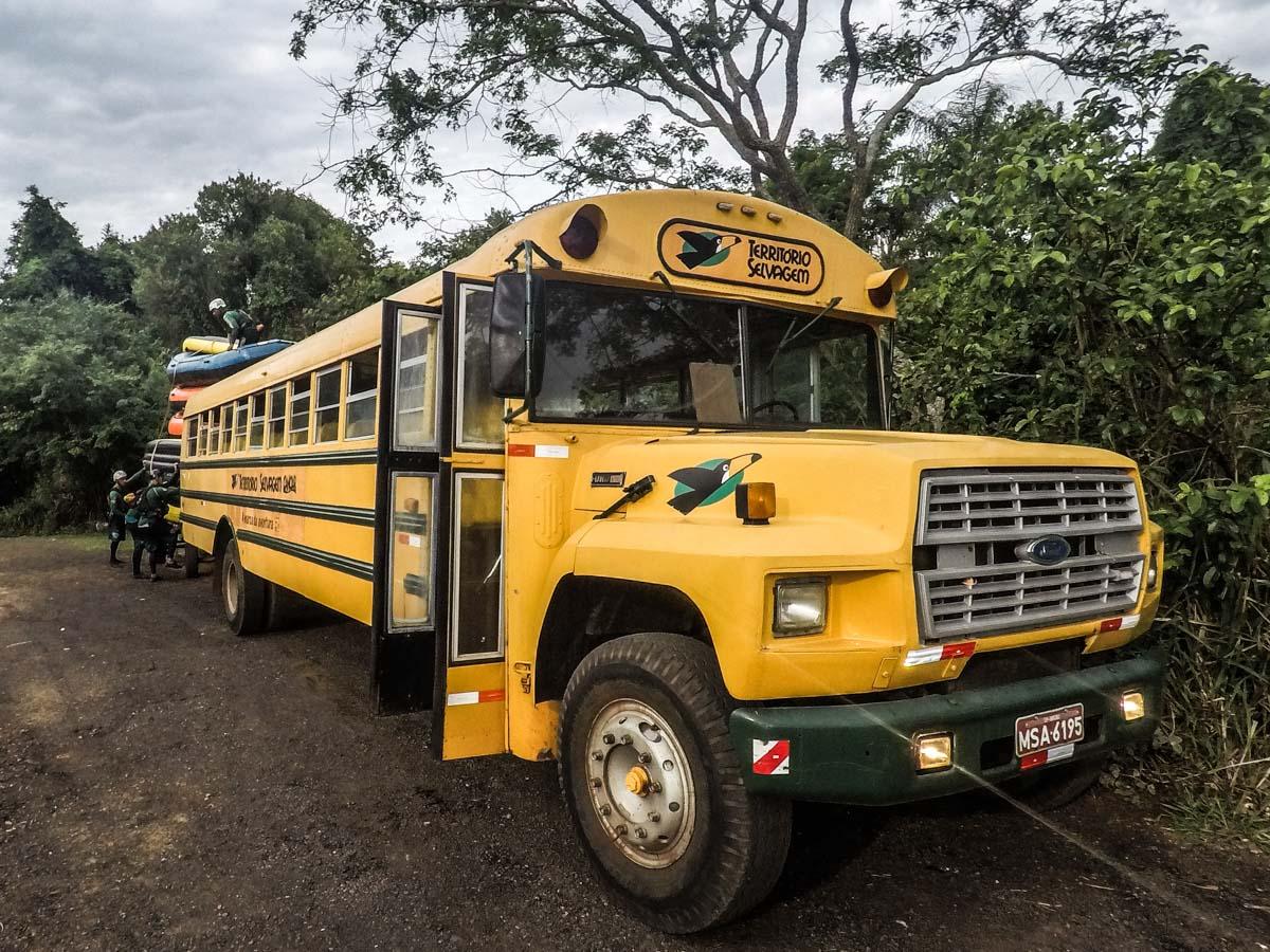 Ônibus Território Selvagem Canoar