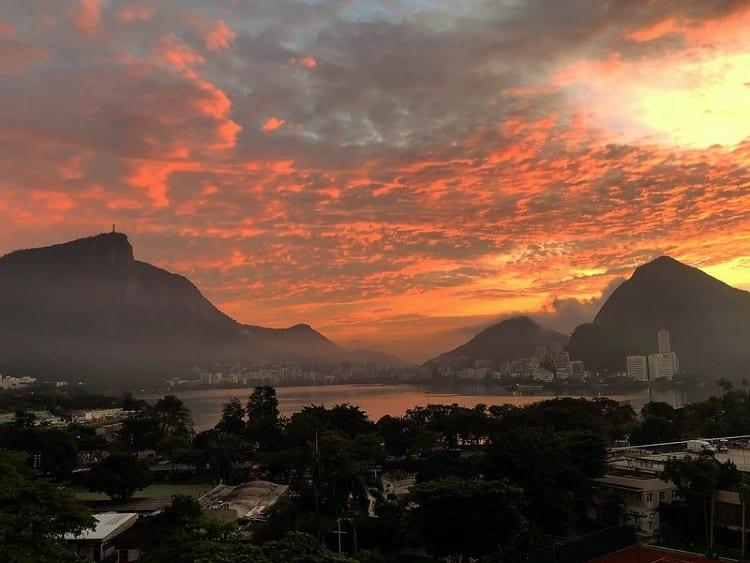 Lagoa Rodrigo de Freitas no pôr do sol